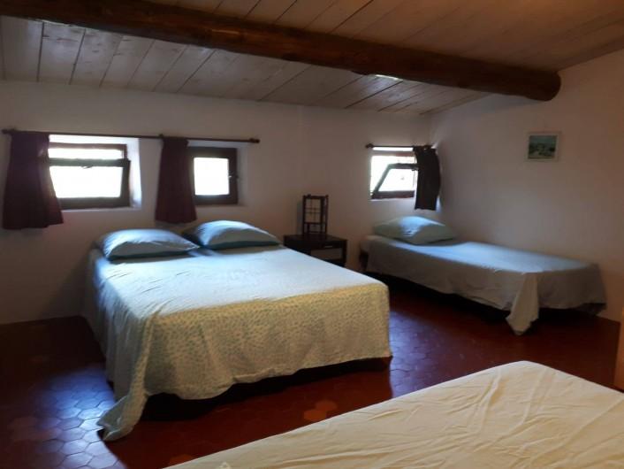 Location de vacances - Gîte à Puyloubier - Chambre 1 de La TOUR .