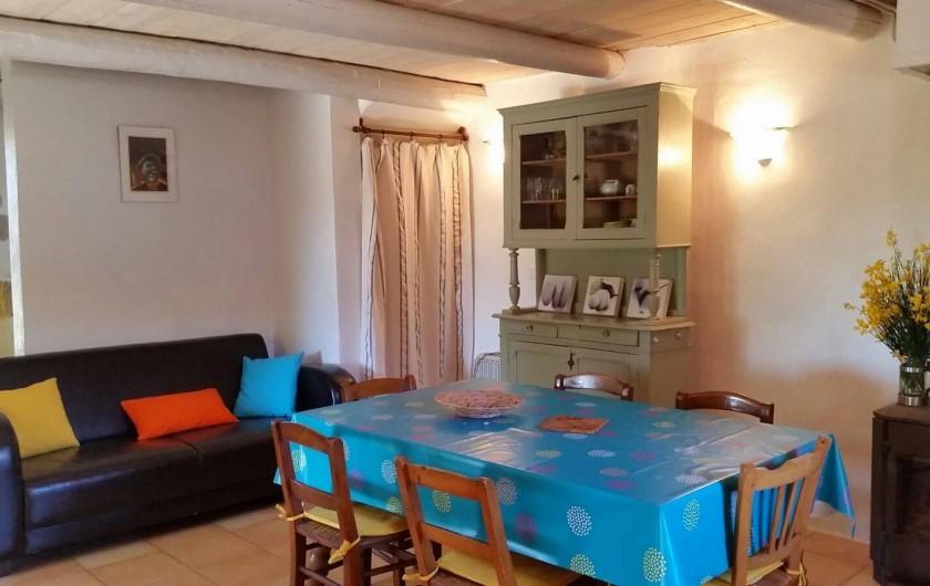 Location de vacances - Gîte à Puyloubier - Salon/cuisine